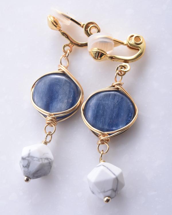 【ゴールド×ブルー】天然石 カイヤナイト ホワイトクォーツァイト ゴールドチェーン エアイヤリング